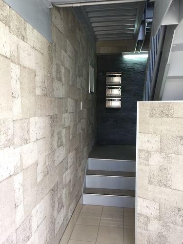 階段も明るくリフレッシュ