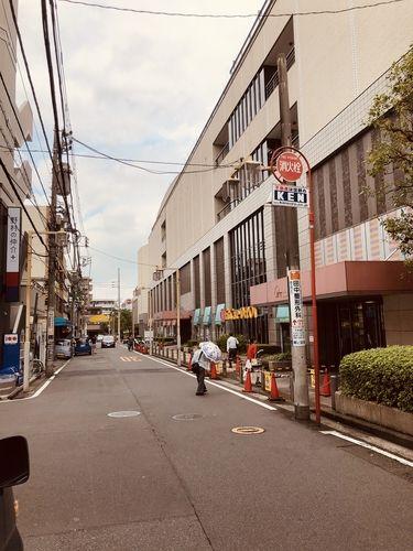 日吉駅からは徒歩2分程の好立地です!