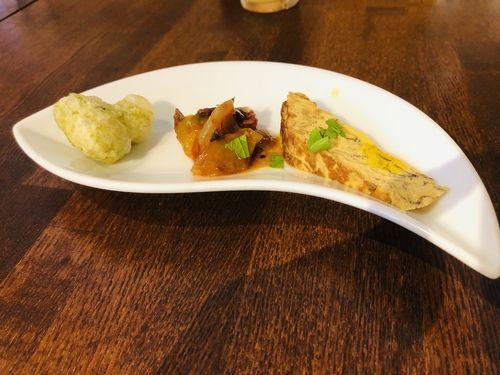 イタリア式の揚げ餅、オムレツ等の前菜。豪華な3種セットです!