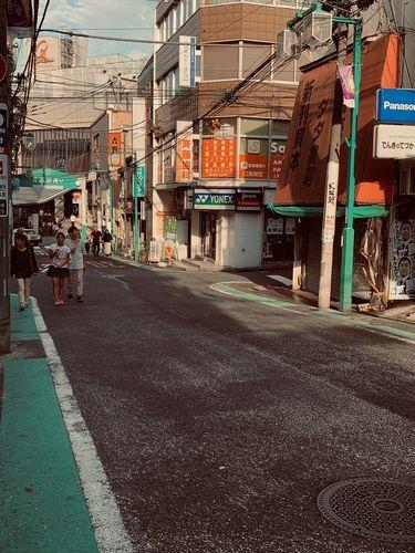 緑の門が目印、日吉の普通部通りです。