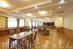 下田町のサービス付き高齢者住宅食堂