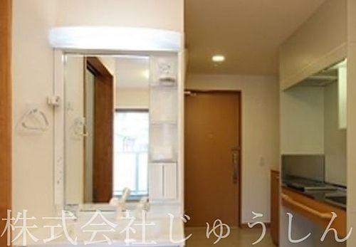 下田町のサービス付き高齢者住宅洗面化粧台、キッチン