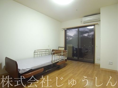 横浜市港北区新吉田東の老人ホームの室内