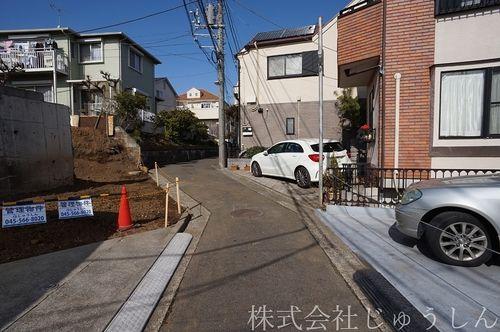 港北区富士塚2丁目 前面道路