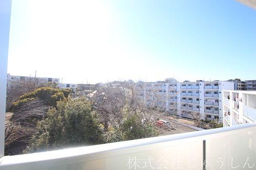5階建て5階部分に位置しているので眺望良好です。